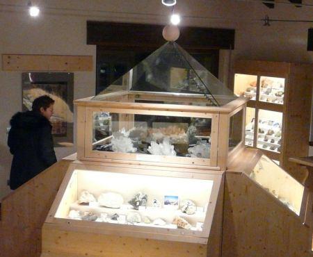 MuseoMineralogicoLanzada1