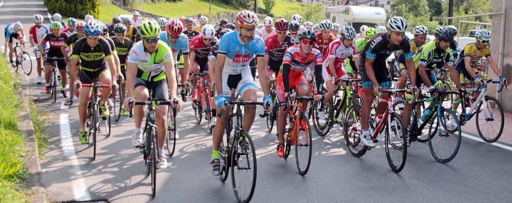 ciclismo-acquistapace-si-aggiudica-la-lanzada-campo-moro_8041f0a8-85cc-11e7-90c5-a50199cfbdf1_998_397_big_story_detail
